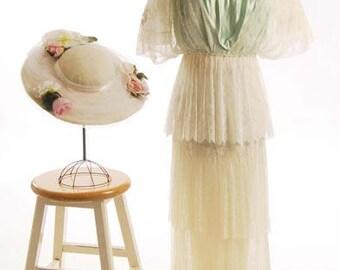Original Edwardian (1908-1910) Cream Silk Lace Gown/Dress size 2 - item 172, Wedding Apparel