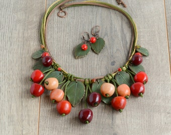 Cherry necklace Red cherries jewelry Boho necklace red Bohemian jewelry Statement fruits Chunky necklace bib Spring fruit jewelry for girls