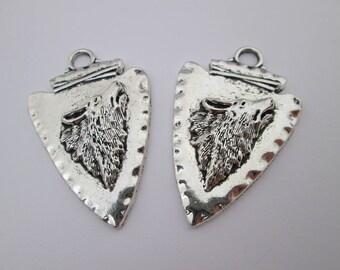 2 pendentif loup flèche en métal argenté 45 x 29 mm