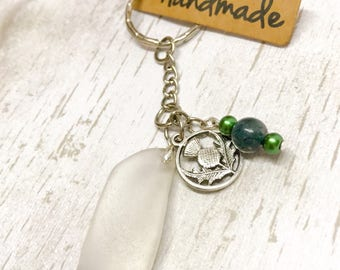 Handmade Sea glass key chain, Wedding favour gift, Scottish seaglass thistle key ring, beach glass, keepsake souvenir keyring, moss agate