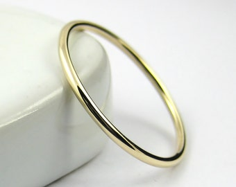 Thin Gold Ring, Thin Wedding Band, Gold Stacking Ring, Thin 9K Gold Ring, Solid Gold Dainty Ring, Hammered or Smooth