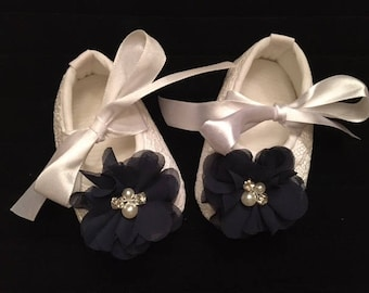 White Lace Baby Shoes - White Shoes with Navy Blue Flower Accent - Flower Girl Baby Shoes - Baby Dress Shoes