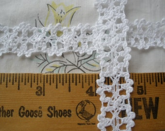 """Bright White Cotton Cluny Lace trim 3/4"""" wide crochet look retro yardage sewing crafts embellish edging insert"""