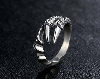 Ring Dragon Claws.Silver ring.Dimensionless ring.Dragon ring