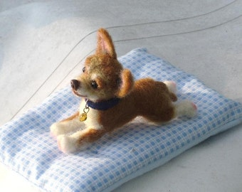 Needle Felted Dog /Custom Miniature Sculpture of your pet / cute / poseable / example Chihuahua