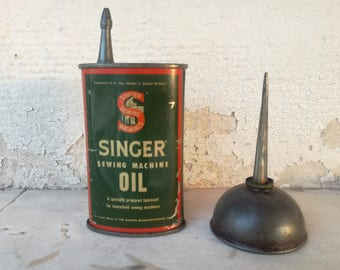 Collectible Antique Singer Can Oil Oiler Sewing Machine 1930's AND SINGER Sewing MACHINE Part tin Oil Can Singer Great Britain Handy oiler