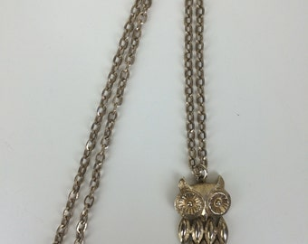 mod gold articulated owl pendant necklace Avon 70s