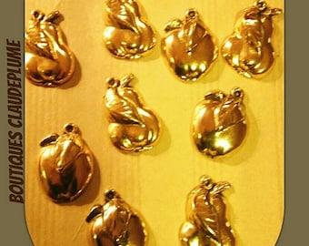 Set of 12 resin pendants apples - pears