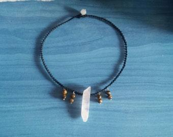 Quartz rose / eye of Tiger-necklace Macrame