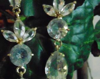 Earrings, 10 to 14 K gold, zircon