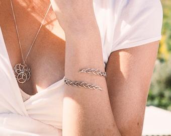 Silver Adjustable Bracelet, Silver wire wrap bracelet, Silver Spiral Bracelet, Silver wire Adjustable Bracelet, Twisted Spiral cuff, under50