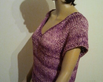Sleeved sweater made of violet Batikbändchengarn