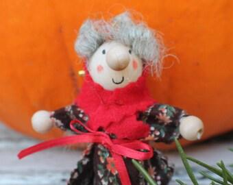Kitchen Witch / Strega Eins - Kitchen Witch doll