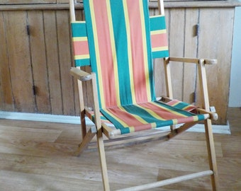 Vintage Folding Wood and Canvas Deck Chair • Striped Canvas Beach Lawn Chair