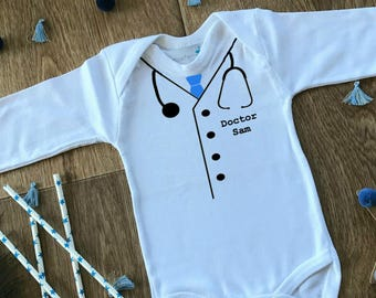 Doctor Baby Onesie, Baby Doctor Outfit, Baby Doctor Gift, Doctor Stethoscope Baby bodysuit/onesie, Future Doctor Baby, Fun Baby Shower Gift