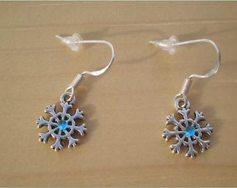 Snowflake Earrings, Christmas Earrings, Winter Earrings, Charm Jewelry, Jewelry Findings