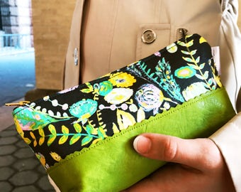 Leather Makeup Bag, Leather Pouch, Makeup Pouch, Floral Green Bag, Zippered Pouch, Small Cosmetic Bag, Green Leather Zipper Pouch