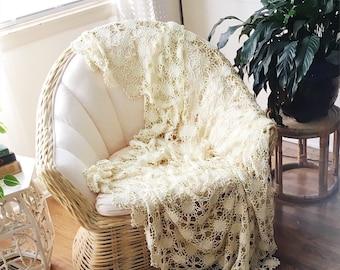 Vintage Boho Crochet Coverlet Bedspread Wallhanging Cream Floral Handmade Antique