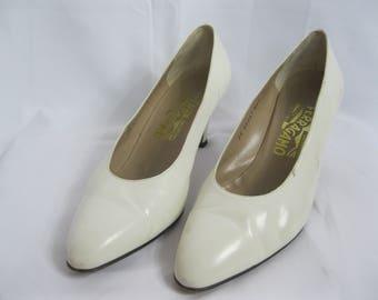 White Leather Salvatore Ferragamo Pumps Size 8 C