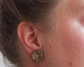 Handmade button earrings brown marble | diameter 1.8 cm | stud earrings