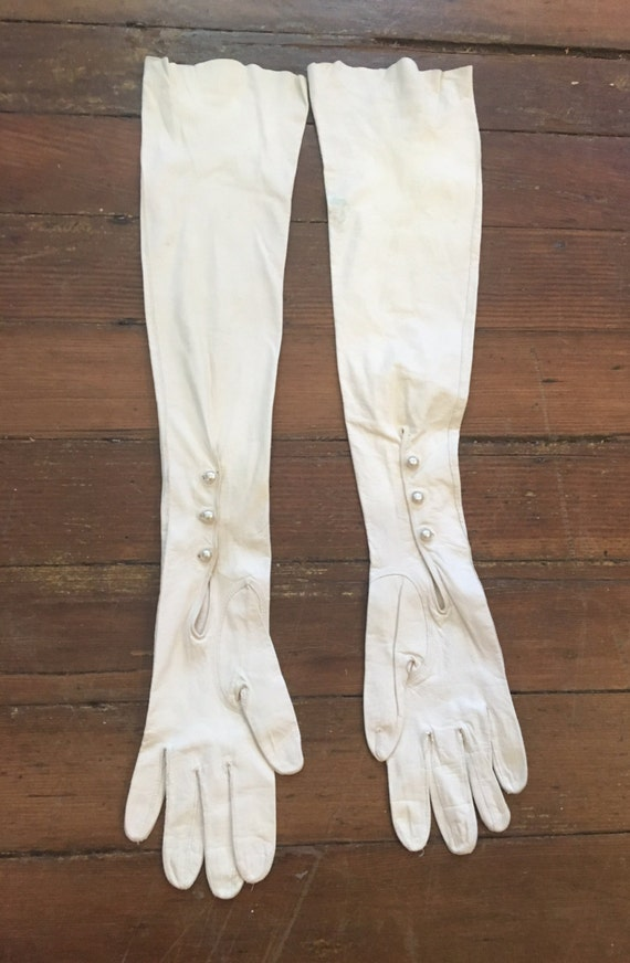 Vintage 1930s 22 Inch Kid Leather Gloves From France