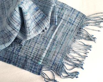 Plaiding Scarf - Handwoven - Merino, Silk, Nylon - Blizzard
