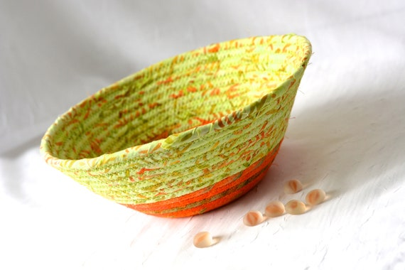 Fall Boho Basket, Handmade Batik Bowl, Candy Dish, Quilted Cotton Basket, Rustic Chic Fabric Bowl, Coiled Change Bowl, Rope Clothesline bowl