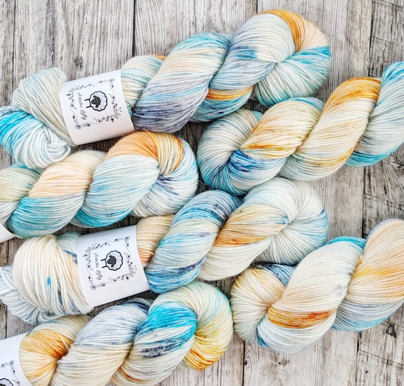 Things I loved - If You Rest You Rust, hand-dyed alpaca/merino/nylon yarn by Artistic Lilly