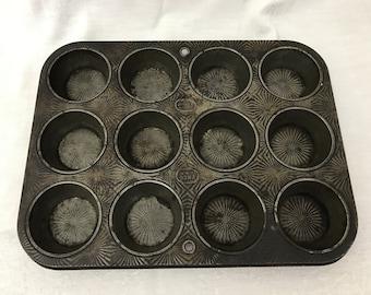 Vintage Ovenex - Ekco Starburst 12 Muffin Tin