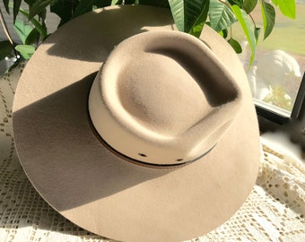The Iconic Akubra Hat- The Territory-Felt Australian wide brimmed SIZE 54
