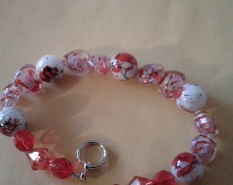Bracelet red bead and hearts
