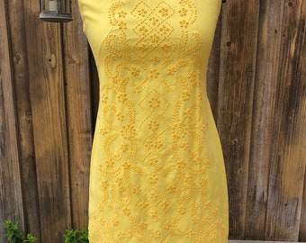 1970s yellow summer dress PERFECT FOR SUMMER