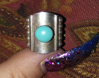 Beautiful Vintage Sterling and Turquoise Ring