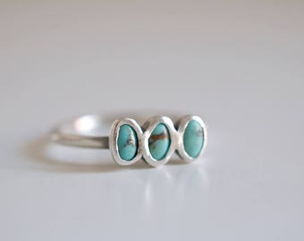 Turquoise ring. Sterling silver ring with three natural Turquoises. Turquoise band, blue turquoise ring, small turquoise ring, stacking ring