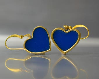 Blue heart earrings. blue dangle earrings. heart earrings. blue earrings. romantic earrings. love earrings. simple earrings. vintage style.