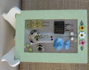 Wooden Earrings Holder On a Stand / green / 10 - 15 Earrings