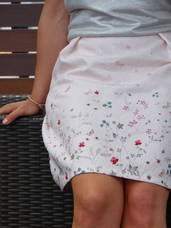 Short skirt, summer skirt, pink pastel fabric, small flowers pattern, pleated, embossed cotton. For wedding, cocktail or other ceremony...