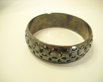 Classic Silver Tone Bangle Bracelet (9133)