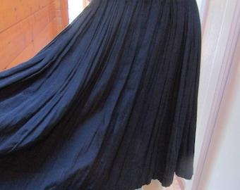 Vintage Black Skirt 1980s 1990s Cotton Rayon Blend Crepe Fabric Stretch Waist Swing Gathered Pleats Boho Preppy Style