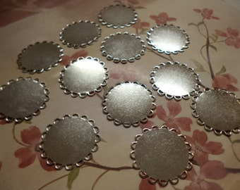 22mm round silvertone lace edge flat bases cabochons cameos settings 12 pieces lot l X N