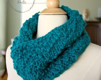 Knit Chevron Cowl, Knit Neckwarmer, Chunky Knit Scarf, Chunky Knit Cowl