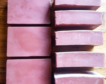 OTIS - Kakadu Plum and Australian Red Clay Vegan Handmade Soap Bar