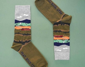 Unisex Iceland Waterfall Socks