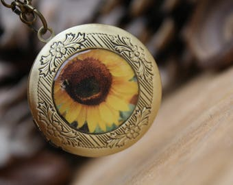 Sunflower medaillon photo locket necklace