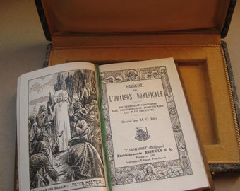 "Vintage Belgian Prayer book  "" Missel de l'oraison dominicale "" from 1931."