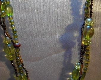 18 inch handmade 3 strand glass beaded necklace