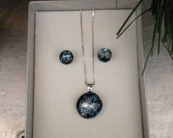 pendant and earring set, silver pendant and earring set, dichroic silver and blue pendant set, silver dichroic set, blue dichroic pendant