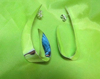 1980s Handmade Mexican Sterling Earrings Item W-#536