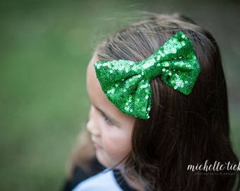 """5"""" sequin bow, Christmas bow, Toddler bow, youth bow, hair accessories, green sequin bow, Christmas outfit kids, Christmas outfit,"""