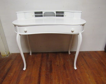 White kidney shaped desk